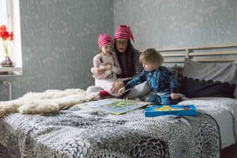 Polarn-O-Pyret-Yovaatteet-Pyjama-Yopuku-Yokkarit-Lasten-Aikuisten