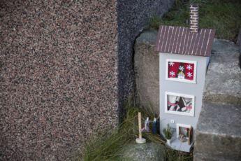@Lahiomutsi-Tonttuovi-Joulukoriste-DIY-Hiiritonttu-Kerrostalo-Rappu-Elf-Door-Fairy-Doors