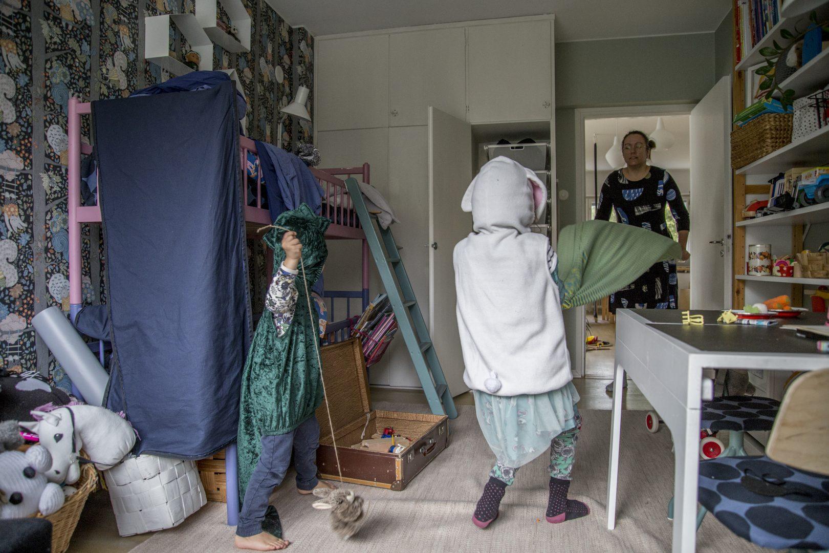 ©Lahiomutsi Arkikuva 39 Lakanana veto Lakanoiden vaihto-7158