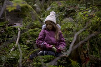 ©Lahiomutsi Retki Herttoniemi Metsa Lasten talvivaatteet Haalari Polarn O Pyret-7289