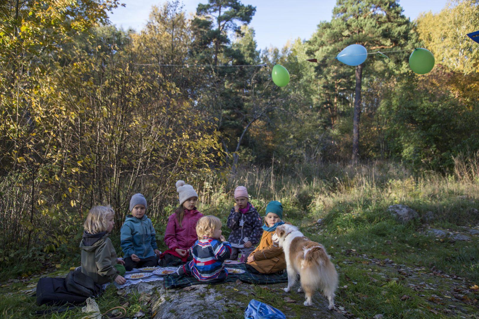 ©Lahiomutsi Synttarit 4vuotis 4 vuotta Metsa Metsasynttarit Syntymapaiva Juhlat Ulkona Syksy Lastenjuhlat-7943