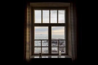 Lahiomutsi-Majakka-Bengtskär-Lighthouse-Hotelli-Yopyminen-Majakkasaari-Ulkosaaristo-Suomi-Finland-Hotel-8143
