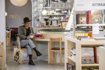 Lahiomutsi Kirjan ja Ruusun paiva Kirjakauppa Kassi Kirja-5890